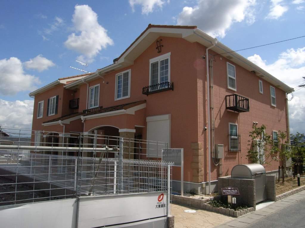 奈良県御所市、近鉄御所駅徒歩5分の築10年 2階建の賃貸アパート