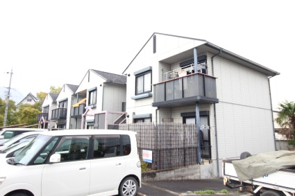 奈良県御所市、近鉄御所駅徒歩15分の築18年 2階建の賃貸アパート