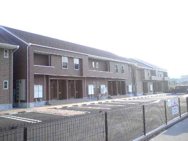 奈良県五條市、大和二見駅徒歩7分の築8年 2階建の賃貸アパート