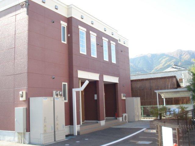 奈良県御所市、御所駅徒歩9分の築6年 2階建の賃貸アパート