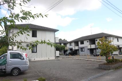 奈良県御所市、近鉄御所駅徒歩10分の築18年 2階建の賃貸アパート