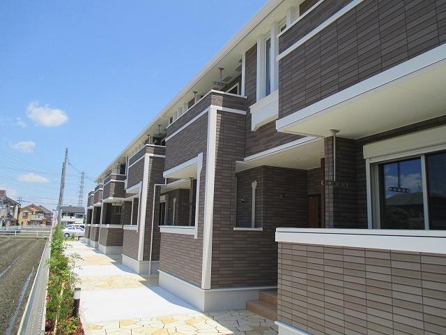 奈良県大和高田市、高田駅徒歩14分の築2年 2階建の賃貸アパート