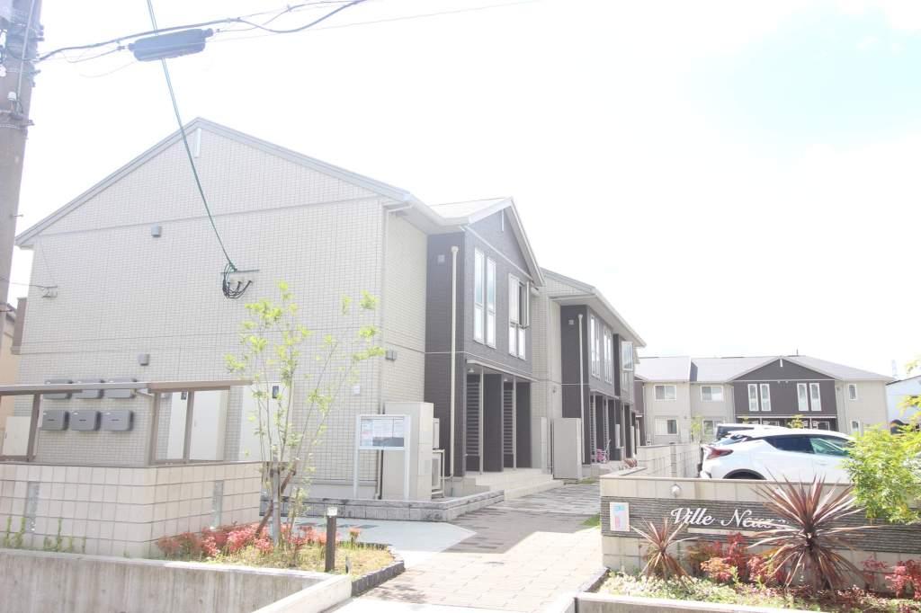 奈良県葛城市、大和新庄駅徒歩4分の築2年 2階建の賃貸アパート