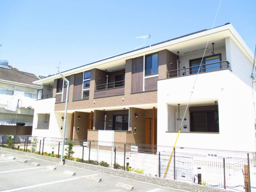 奈良県大和高田市、高田駅徒歩13分の築1年 2階建の賃貸アパート