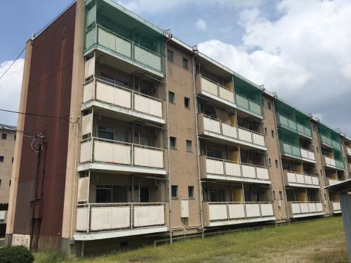 奈良県大和高田市、大和新庄駅徒歩20分の築46年 4階建の賃貸マンション