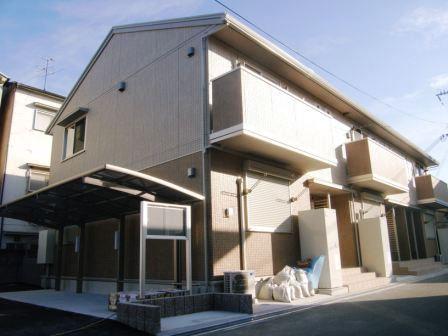 奈良県大和高田市、築山駅徒歩5分の築5年 2階建の賃貸アパート