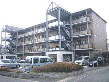 奈良県大和高田市、当麻寺駅徒歩25分の築22年 4階建の賃貸マンション
