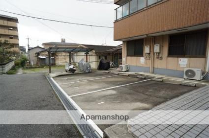 コーポ諏訪西大寺[1K/16m2]の駐車場
