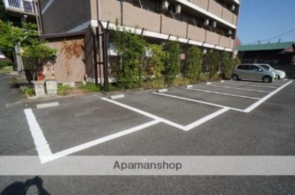 グレース木津川台[1K/24m2]の駐車場