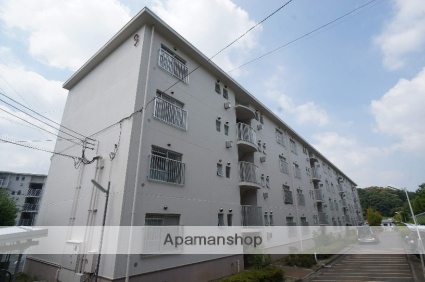 奈良県香芝市、二上山駅徒歩29分の築28年 4階建の賃貸マンション