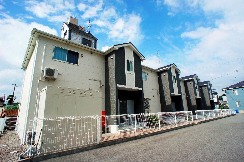奈良県香芝市、二上山駅徒歩10分の築8年 2階建の賃貸アパート