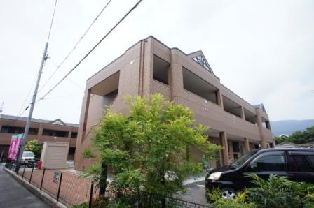 奈良県葛城市、御所駅徒歩20分の築8年 2階建の賃貸アパート