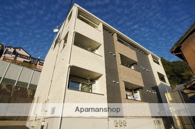 奈良県香芝市、香芝駅徒歩9分の築1年 3階建の賃貸アパート