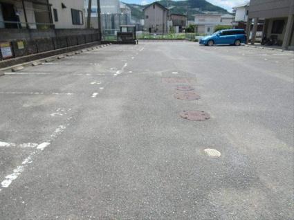 コート・ヴィラージュA[1LDK/41.04m2]の駐車場