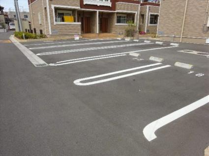 メゾン桜坂Ⅲ[2DK/45.77m2]の駐車場
