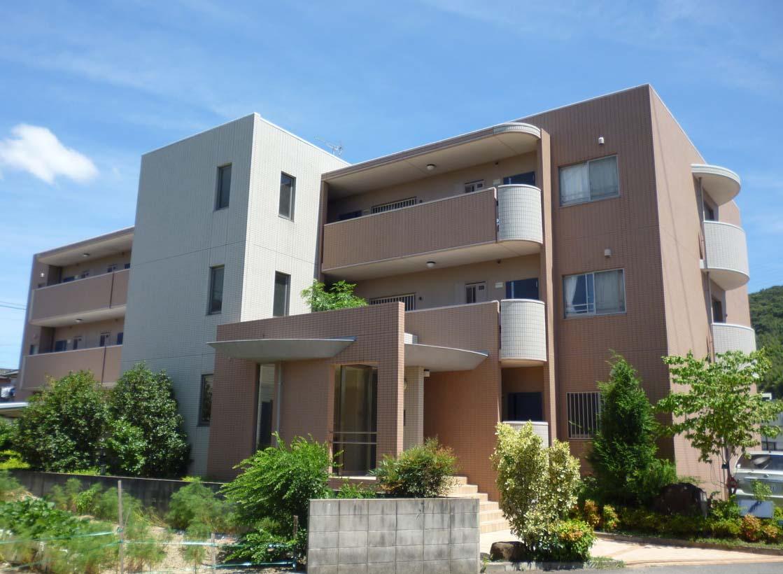 和歌山県和歌山市、黒江駅徒歩17分の築12年 3階建の賃貸マンション