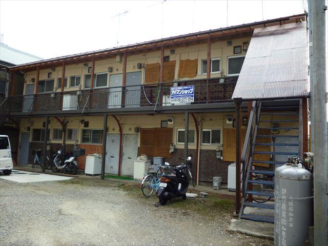 和歌山県和歌山市、六十谷駅徒歩3分の築42年 2階建の賃貸アパート