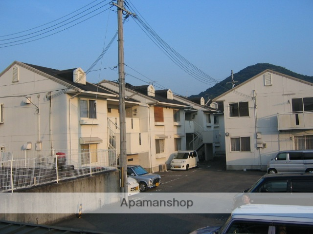 和歌山県和歌山市、布施屋駅徒歩7分の築25年 2階建の賃貸アパート