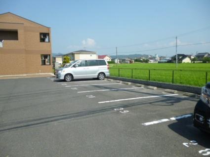 メルヴェールM.Ⅱ[1LDK/45.5m2]の駐車場