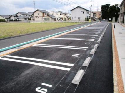 エミネンス A[1LDK/49.01m2]の駐車場