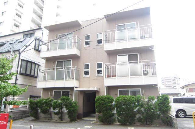 岡山県岡山市北区、岡山駅徒歩11分の築31年 3階建の賃貸アパート