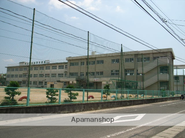 福浜小学校 457m