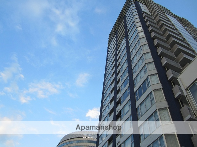 岡山県岡山市北区、岡山駅徒歩13分の築10年 23階建の賃貸マンション