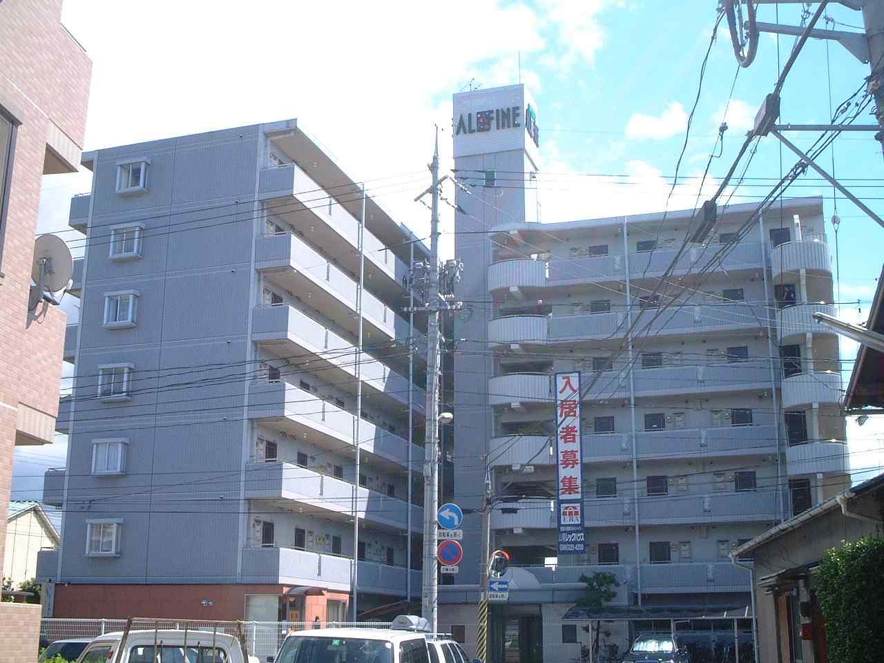 岡山県岡山市北区、岡山駅徒歩21分の築26年 7階建の賃貸マンション