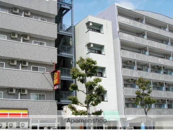 岡山県岡山市北区、岡山駅徒歩17分の築18年 5階建の賃貸マンション