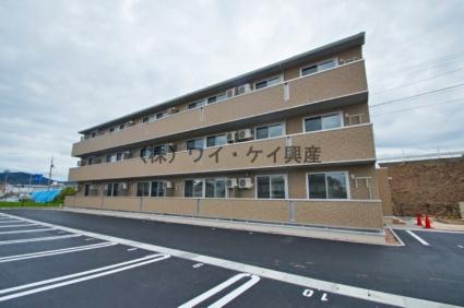 岡山県総社市、東総社駅徒歩18分の築1年 3階建の賃貸アパート