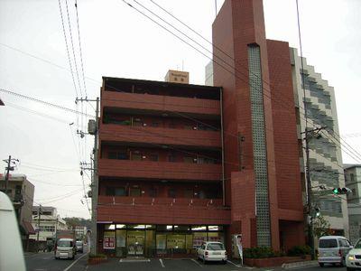 岡山県倉敷市、倉敷駅徒歩9分の築26年 5階建の賃貸マンション