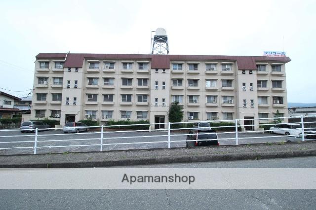 広島県福山市、備後赤坂駅徒歩25分の築33年 4階建の賃貸アパート