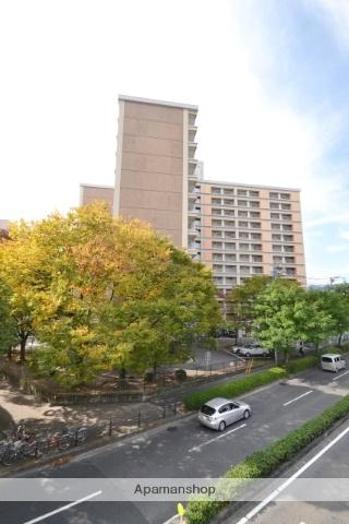 広島県広島市中区、新白島駅徒歩5分の築44年 13階建の賃貸マンション