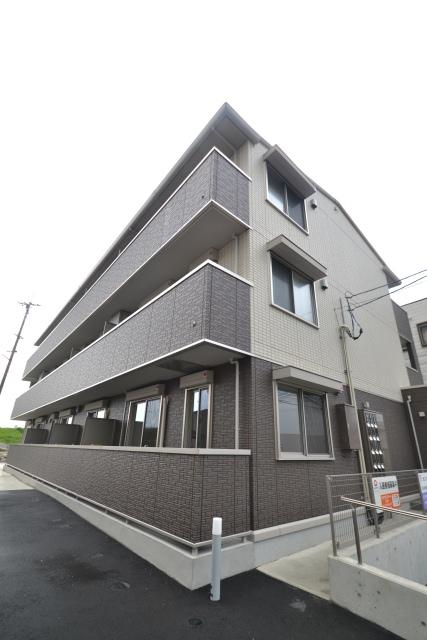 広島県広島市安佐南区、安芸長束駅徒歩11分の築2年 3階建の賃貸アパート