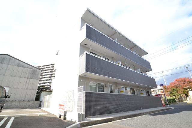 広島県広島市西区、草津駅徒歩9分の築6年 3階建の賃貸アパート