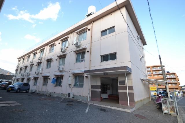 広島県広島市佐伯区、楽々園駅徒歩10分の築35年 3階建の賃貸マンション