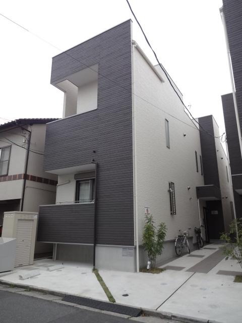 広島県広島市佐伯区、五日市駅徒歩15分の築2年 2階建の賃貸アパート
