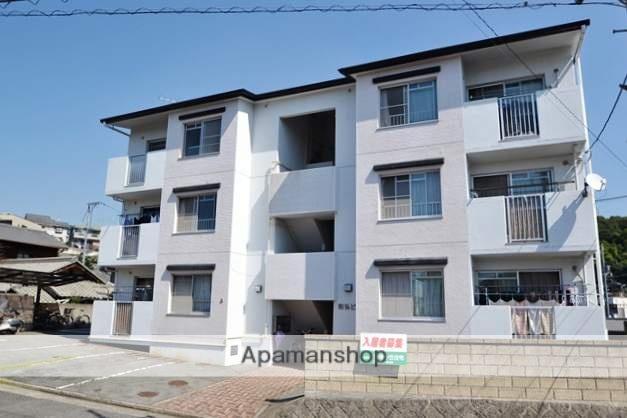 広島県広島市安芸区、海田市駅徒歩18分の築27年 3階建の賃貸アパート