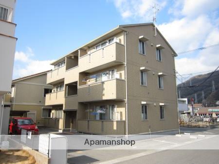 広島県呉市の築9年 3階建の賃貸アパート