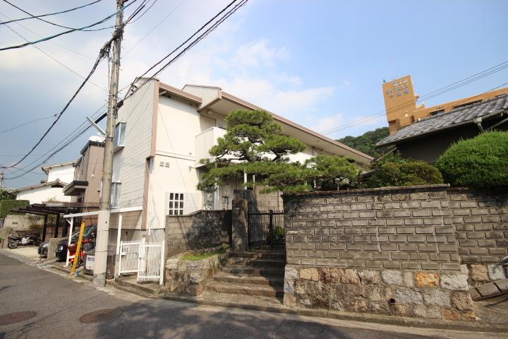 広島県広島市東区、白島駅徒歩19分の築28年 2階建の賃貸アパート