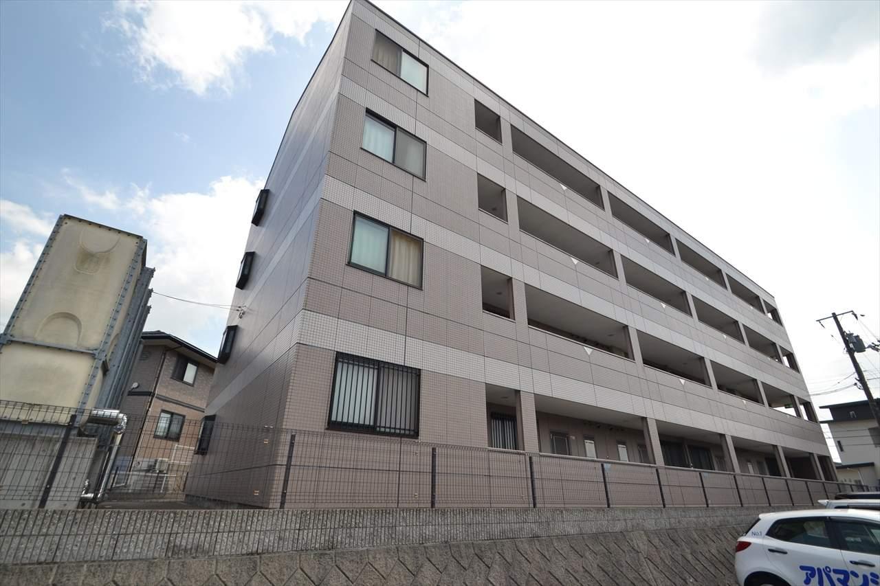 広島県東広島市、東広島駅徒歩8分の築15年 4階建の賃貸アパート