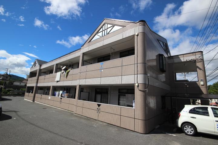 広島県広島市安佐南区、伴駅徒歩16分の築17年 2階建の賃貸アパート