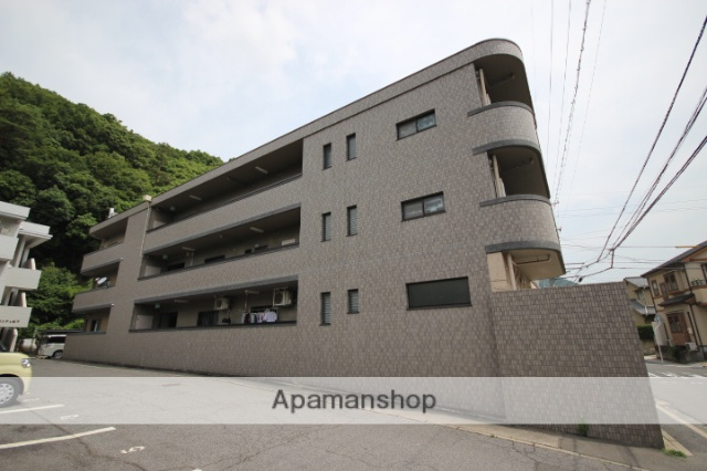 広島県広島市安佐南区、大町駅徒歩16分の築17年 3階建の賃貸マンション