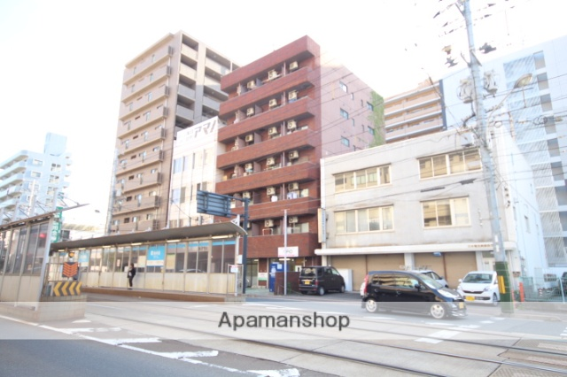 広島県広島市南区、元宇品口駅徒歩6分の築30年 7階建の賃貸マンション