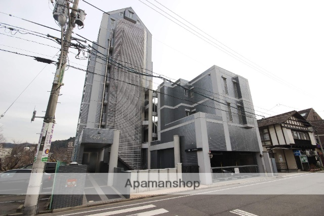 広島県広島市中区、白島駅徒歩12分の築13年 7階建の賃貸マンション