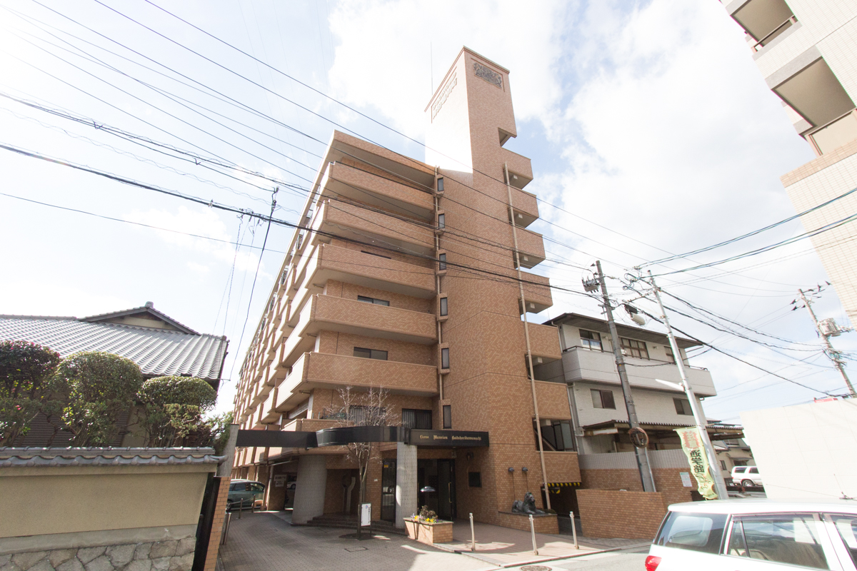 広島県安芸郡海田町、海田市駅徒歩5分の築25年 7階建の賃貸マンション