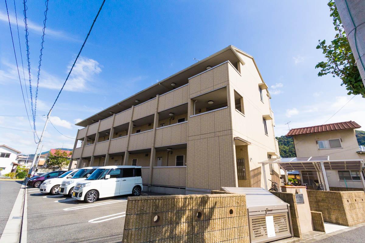 広島県安芸郡海田町、海田市駅徒歩15分の築7年 3階建の賃貸アパート
