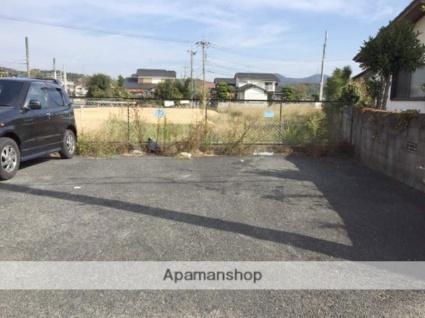 ポエムザマンション[1R/18m2]の駐車場