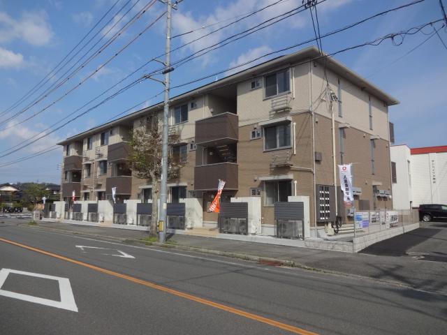 山口県宇部市、琴芝駅徒歩40分の築1年 3階建の賃貸アパート