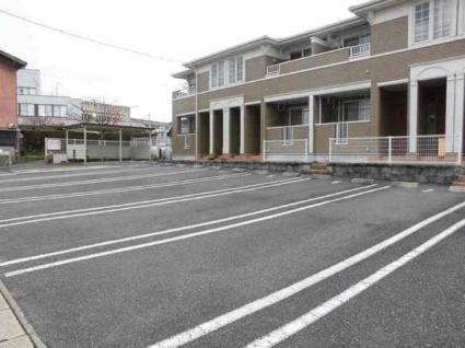 ガーデンヒルズB[2LDK/58.86m2]の駐車場